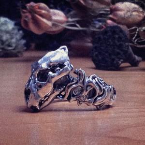 ライオンスカルリング